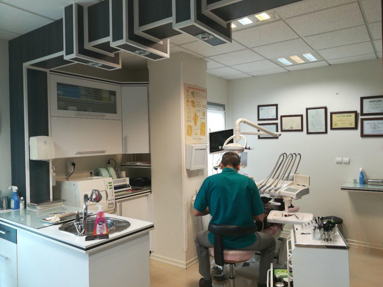 مطب دکتر کوروش صدرالسادات دندانپزشک در گرگان